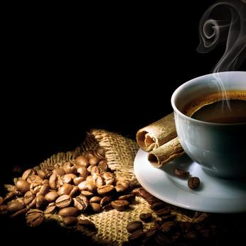 Plus de 5 tasses de café et une diminution du cancer du sein !