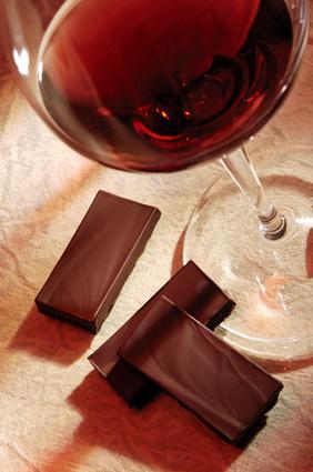 Coups de soleil : Chocolat noir ou vin rouge pour s'en protéger ?